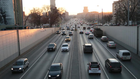 Cars in the evening in Moscow in the center ビデオ
