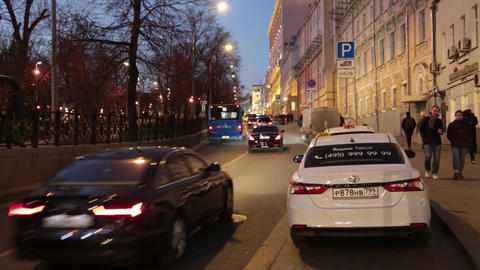 Moscow's evening street in the city centre ビデオ