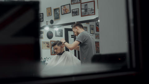 Hair and beard care ビデオ