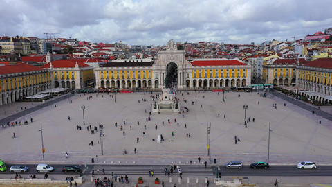 Augusta Gate and Commerce Square in Lisbon from above - Praca do Comercio Lisboa Live Action