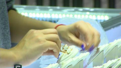 JewelerJewelery, holiday jewelry selectiony Live Action