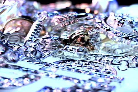 /Jewlery_Spinning_Left-PhotoJPEG_SD.zip Stock Video Footage
