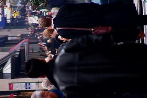 /NY_Crowded_Sidewalk_Horizontal_3-PhotoJPEG_SD.zip Stock Video Footage