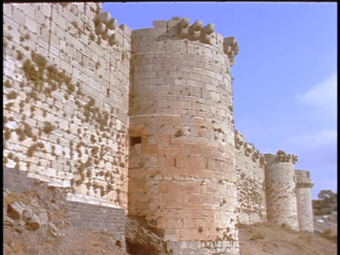 Turrets sit at intervals along the wall at Craq Du... Stock Video Footage