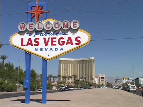 A sign welcomes visitors to Las Vegas, Nevada Stock Video Footage