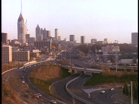 Traffic moves along the freeway in Atlanta, Georgia Stock Video Footage