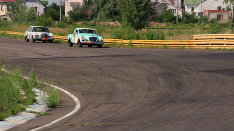 Retro cars racing: Studebaker Power Hawk and Mercedes 280S Live Action