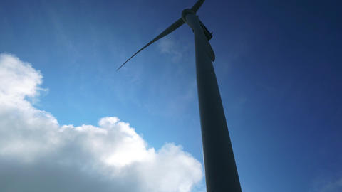 Wind generator with clouds backlights ライブ動画