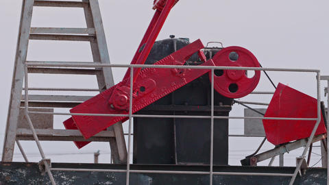 Working Mechanism of oil rig Looped Seamless fotge Live Action