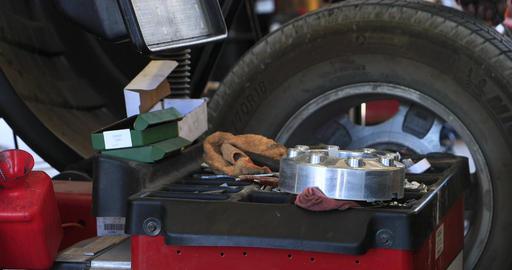 Balance tire Auto mechanic repair shop pt 1 DCI 4K Footage