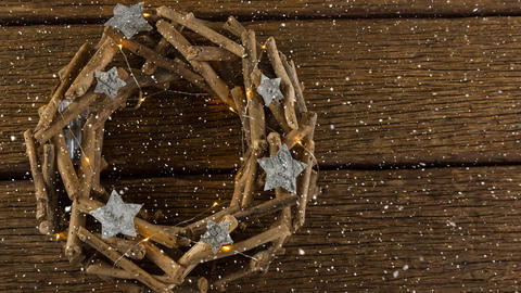 Falling snow with Christmas wreath Animation