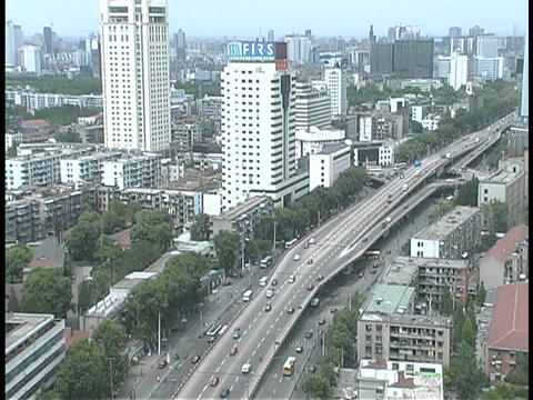 Light traffic moves on a highway in Wuhan, China Stock Video Footage