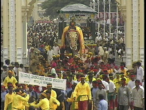 The Dasara festival in Mysore, India features crowds,... Stock Video Footage