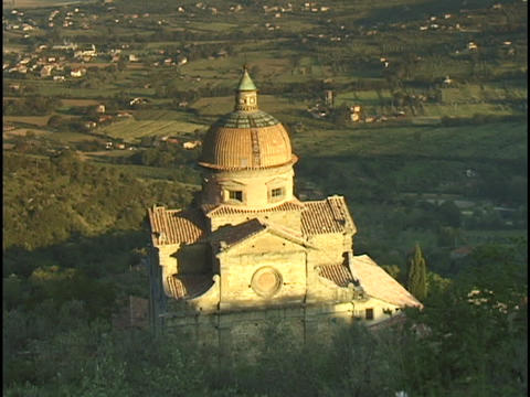 A large church dominates the Italian countryside Stock Video Footage