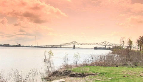 A large bridge near Baton Rouge, Louisiana Stock Video Footage