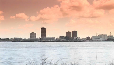 Zoom out from Baton Rouge, Louisiana across the mighty... Stock Video Footage