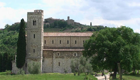 An old monastery in the Tuscan countryside, Italy Stock Video Footage