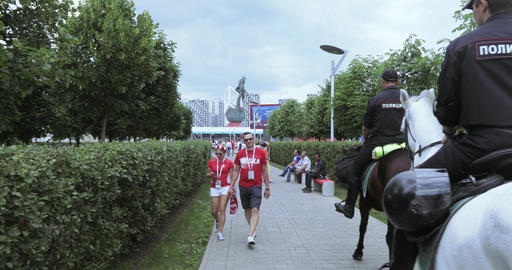 Mounted police among the fans Live Action