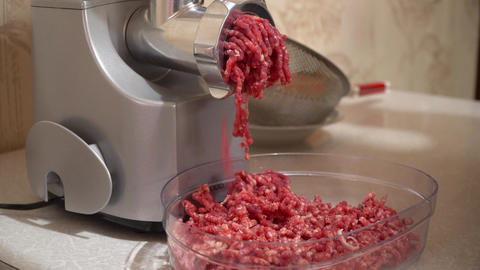Electric meat grinder Live Action