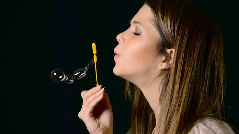 Pretty Woman Blowing Bubbles Slow Motion ビデオ