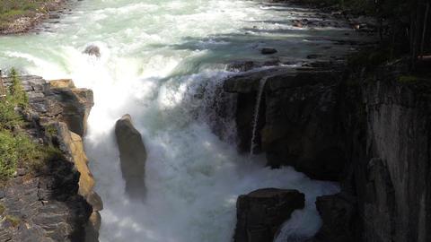 Sunwapta Falls, Jasper National Park, Alberta, Canada Live Action