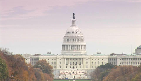 The Capitol building in Washington DC on a hazy day Stock Video Footage