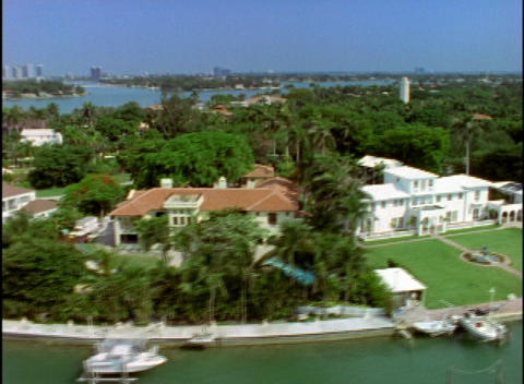 Mansions And Estates Occupy Florida
