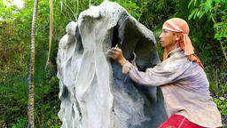 Filipino Construction Worker Makes a Memorial by hand from Cement Live Action