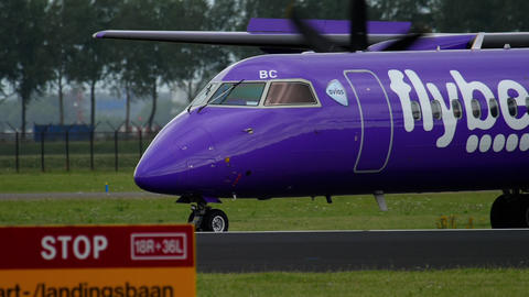 Bombardier Dash 8 Q400 Flybe taxiing GIF