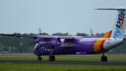 Bombardier Dash 8 Q400 Flybe departure GIF