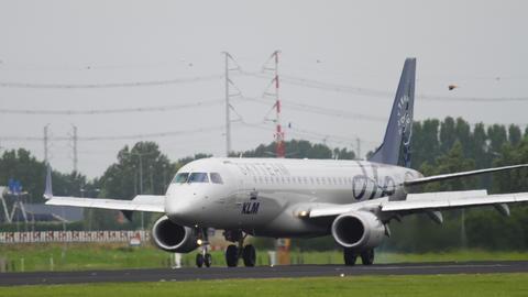 KLM Embraer 190 landing GIF