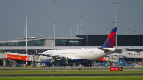 Delta Airlines Airbus 330 taxiing GIF