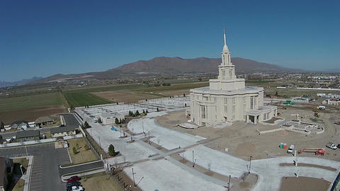 Aerial LDS Mormon Payson Utah Temple construction HD 0034 ビデオ