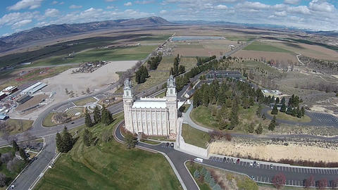 Aerial Manti Utah Mormon Temple high HD 0020 ビデオ