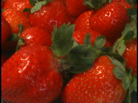 Ripe strawberries are delicious Stock Video Footage