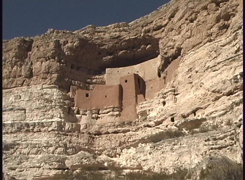 Ancient cliff dwellings overlook a forest in Arkansas Stock Video Footage