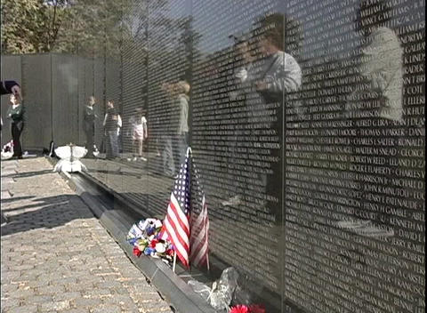 Tourists visit The National Vietnam Veterans Memorial in... Stock Video Footage