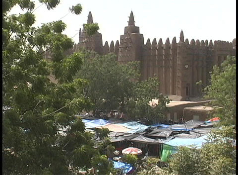 Birds-eye view of an African outdoor market in the... Stock Video Footage