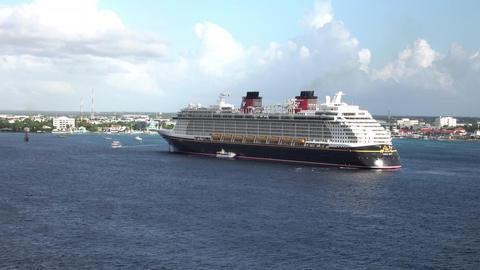 Grand Cayman Island cruise ship destination Caribbean 4K Live Action