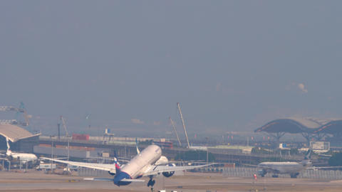 Boeing 777 departure from Hong Kong Live Action
