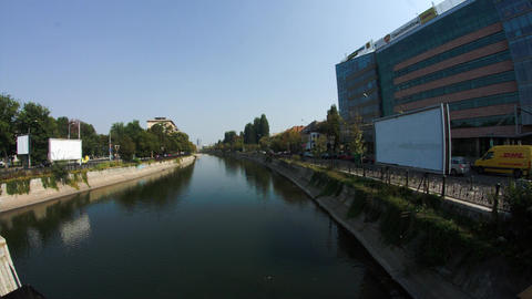 Downtown Bucharest, Business Center Along River Bank, Traffic, Business Day ビデオ