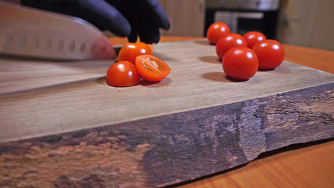 Slicing Chery tomatos Live Action