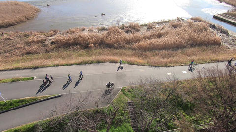 People traveling on the embankment ライブ動画