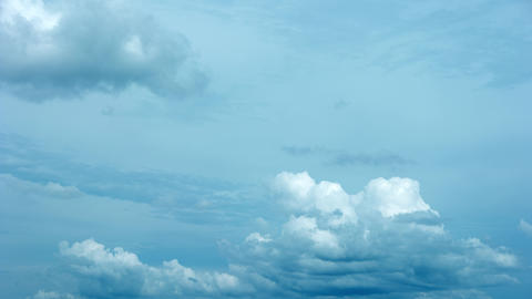 Timelapse Abstract of Clouds Drifting and Billowing in Timelapse. Video 3840x216 Footage