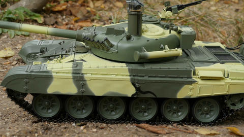 Russian tank T-72 Live Action