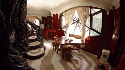 Hang Nga Crazy House. an architectural attraction and guest house in Dalat Live Action