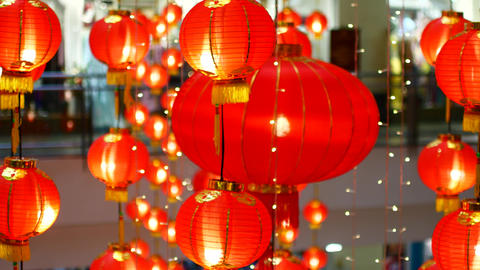 Chinese lanterns in bokeh with the transition to the focus area Live Action