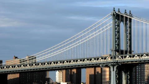 Accelerated traffic zips across the Manhattan Bridge... Stock Video Footage