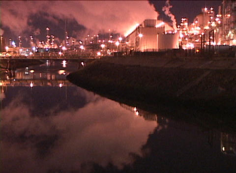 Tracking-out from a large oil refinery Stock Video Footage