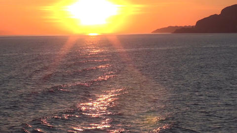 Sun and Sunbeams on the Sea (1) Live Action